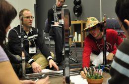 Certains participants de l'atelier Créativité et innovation ont voulu dès le début changer leur paradigme en tournant la table ronde de discussion à l'envers. Photo: N.Falcimaigne
