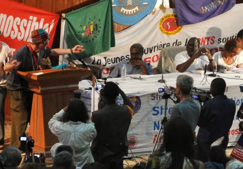 Assemblée de convergence pour l'action des mouvements sociaux. - Photo: C.Durand-Labelle