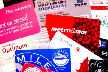 Si l'on n'y prend garde, on risque d'accumuler beaucoup de ces cartes de plastique. Que représentent-elles vraiment? Photo: G.Thibault-Delorme