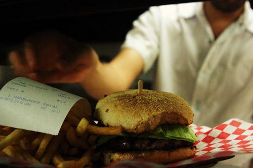 Cette interdiction de mettre quoi que ce soit dans la bouche pendant les heures de lumière et donc de chaleur devient un véritable défi lorsque cuisiner est son métier. Photo: AA.Côté-St-Laurent