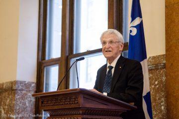 Claude Béland soulignait récemment, à l'Assemblée nationale du Québec, le lancement du livre Robert Burns, le ministre de la démocratie citoyenne, dont il a signé la préface. Photo: Nicolas Falcimaigne