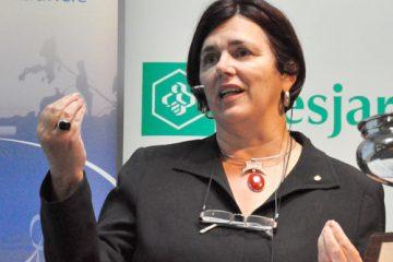 Hélène Simard, présidente-directrice générale du Conseil québécois de la coopération et de la mutualité (CQCM), a résumé la journée aux participants en lançant un appel à la mobilisation. Photo: N.Falcimaigne