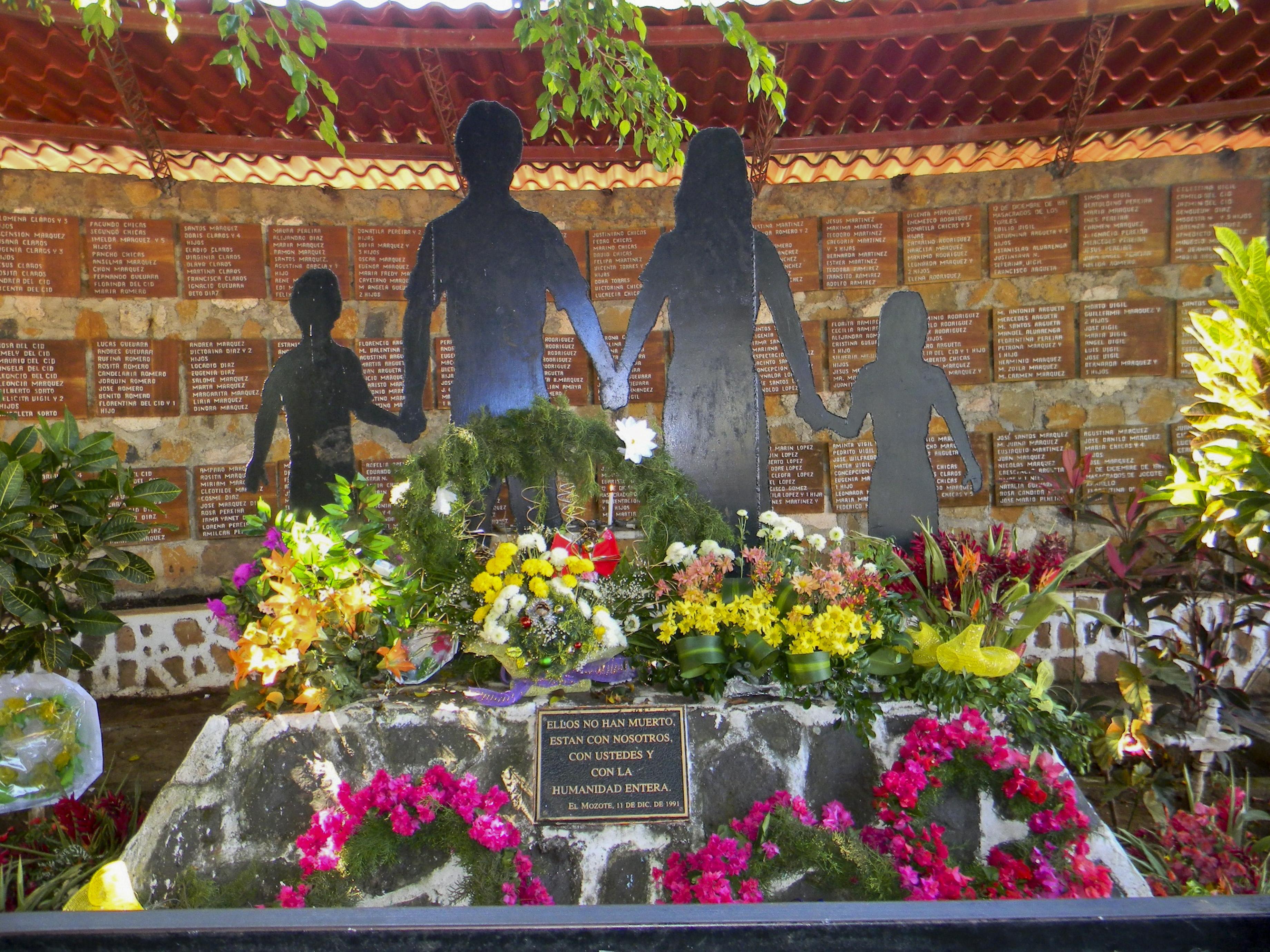 salvador-monument_morts_el-mozote_canton-la-joya