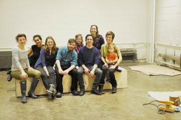 De gauche à droite: Geneviève Bégin, Isabel Kastrup (2e rangée), Gaëlle Généreux, Nicolas Martel, Vicent Chapdeleine, Alice Chipot (2e rengée) et Gabriela de Andrade avec ses deux enfants.